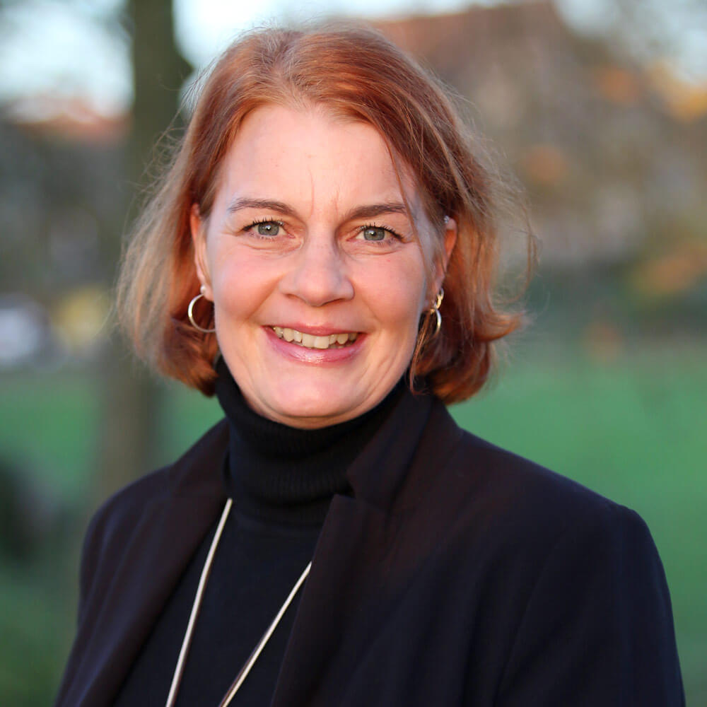 Anneka Hilgenberg Ansprechpartnerin Marketing