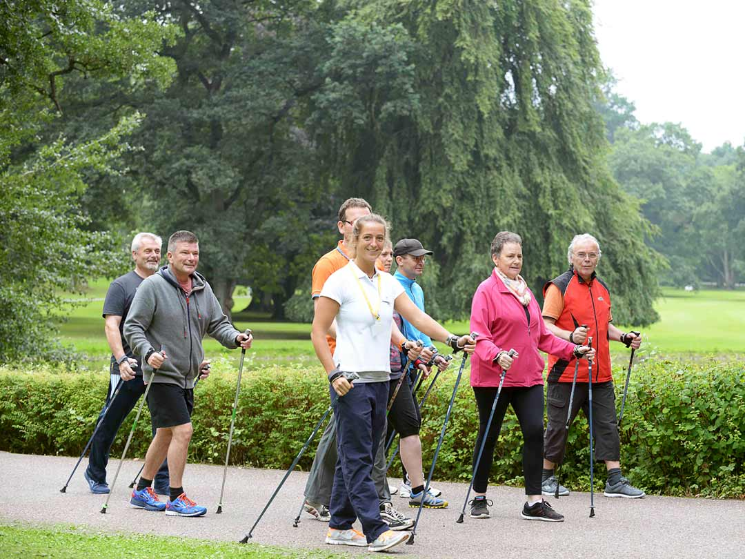 Nordic Walking Gruppe in der Marcus Klinik