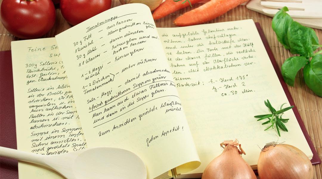 Aufgeschlagener Rezeptblock der Ernährungsberatung